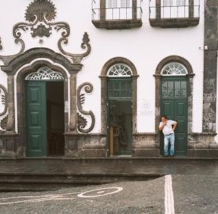 Mid day stroll around the square in Villa Franca